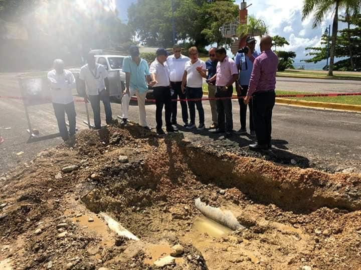 Alcalde preocupado por la situación de las calles de Samaná  a causa de los daños causados por la compañia MALESPIN